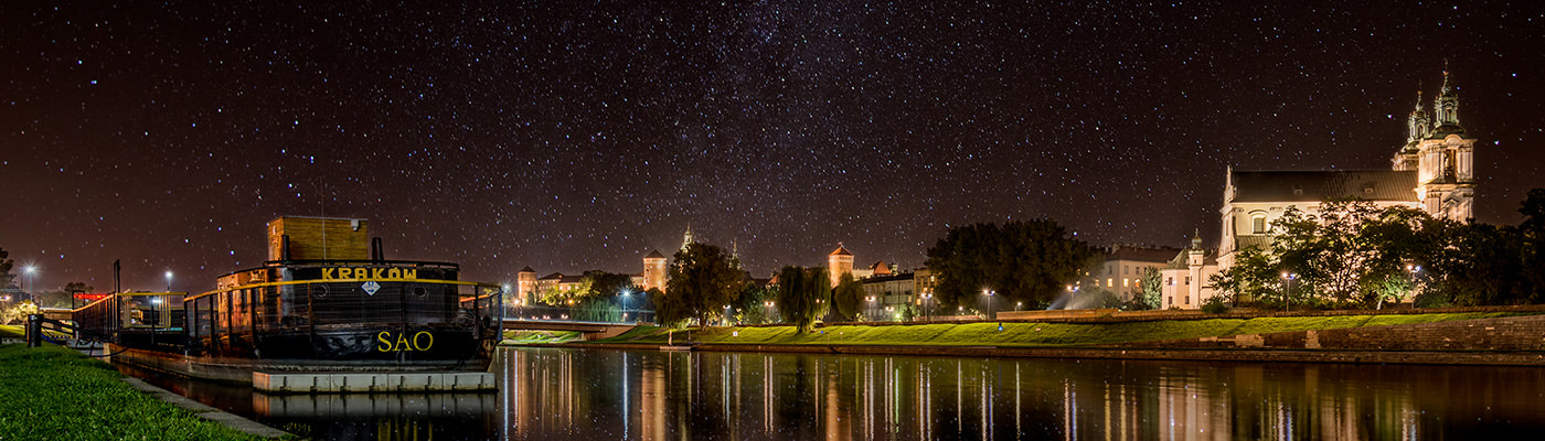 Krakow Wawel with Milky Way Filip Gawronski